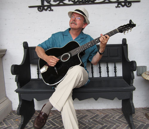 Keith Watling performing at Cafe Sopra Mare. Photo: Debra Bower-Watling